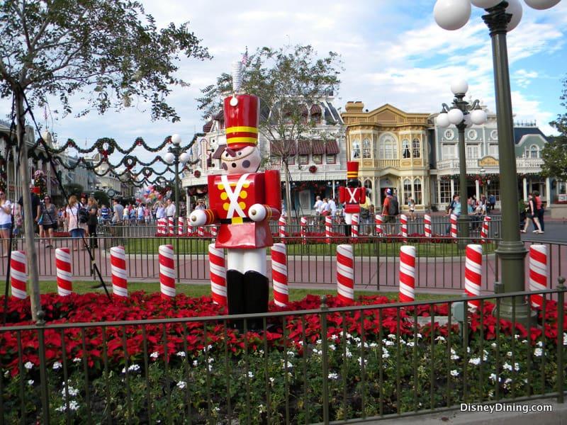 21 Christmas Decorations Town Square Magic Kingdom Walt Disney