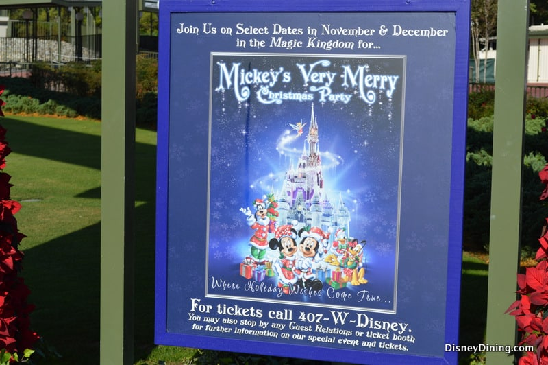 mickeys very merry christmas party 2013 review disney dining information - Mickeys Very Merry Christmas Party Reviews