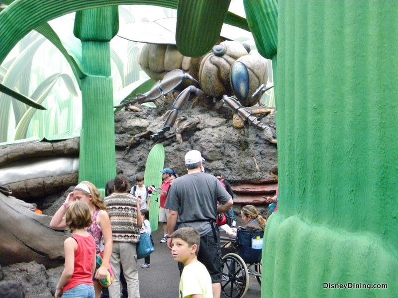 Honey I Shrunk the Kids Playground grass and fly, Disney's ...