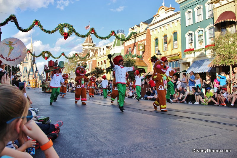 Dancing Gingerbread men and chefs, Christmas Parade, Magic Kingdom ...