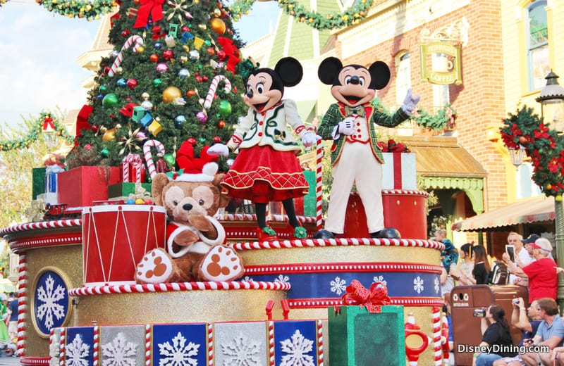 Mickey and Minnie, Christmas Parade, Main Street USA, Magic ...