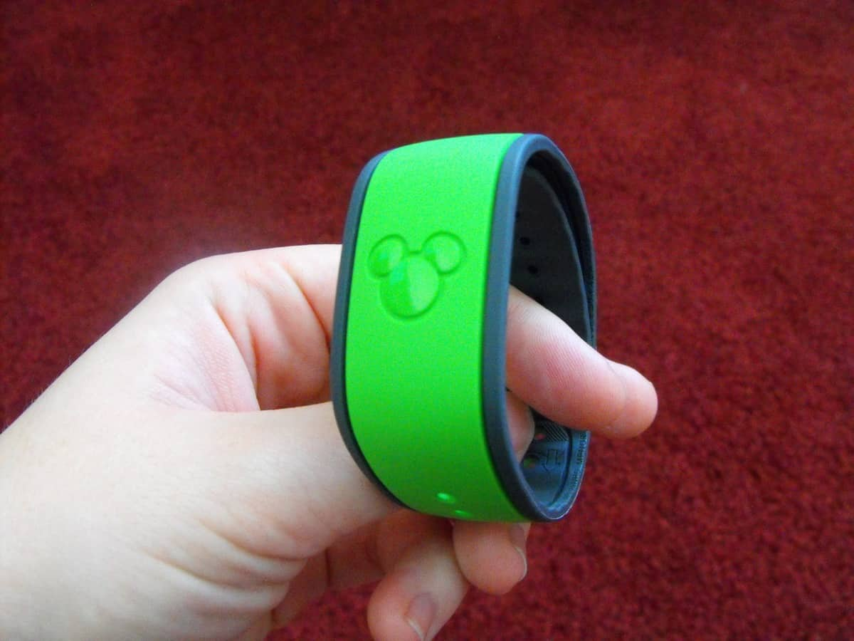 Top 10 Questions About Disney\'s Magic Bands - Disney Dining Information