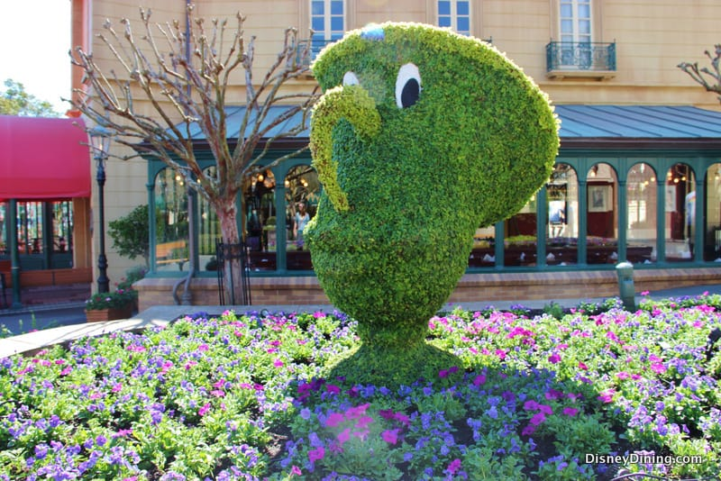 Chip Topiary France 2014 Epcot International Flower And Garden Festival Walt Disney World