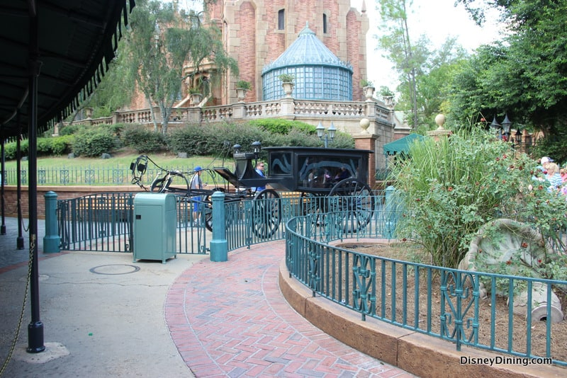 Top 4 Secrets About Walt Disney Worlds Haunted Mansion Attraction