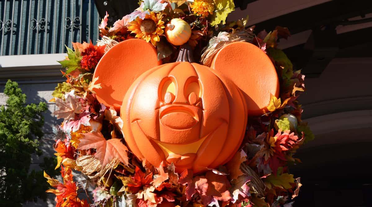 Decoration Halloween Disney : Top reasons to visit walt disney world right now fall