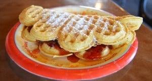 Epcot Norway Kringla Bakeri Og Kafe Waffle with Strawberry fb crop