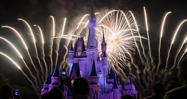 7 Things Disney Insiders Love About Walt Disney World Fireworks