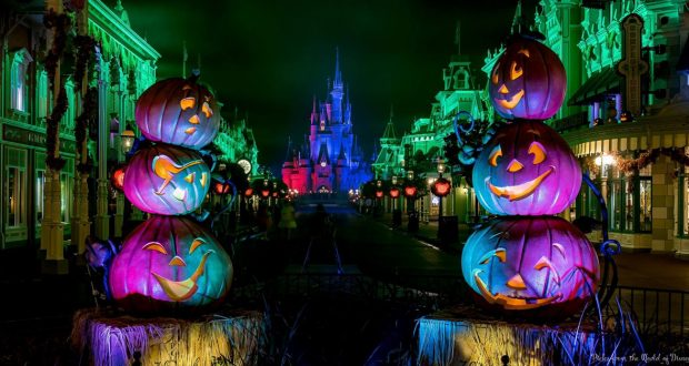 tips for the 2018 mickeys not so scary halloween party at walt disney world disney dining information
