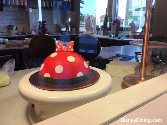 How To Get Cake Decorating Experience : Walt Disney World Extends Cake Decorating Experience at ...