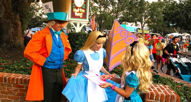 10 Inscrutable Requirements For Being A Walt Disney World Character