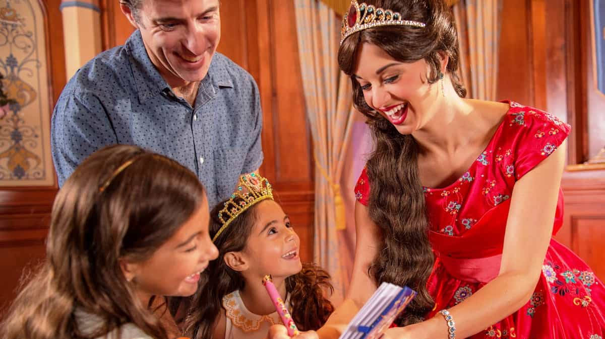 12 Must Do Character Meet And Greets At Walt Disney World Disney